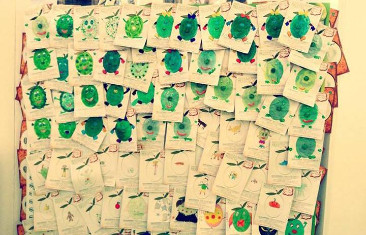 collage con i disegni dei bambini