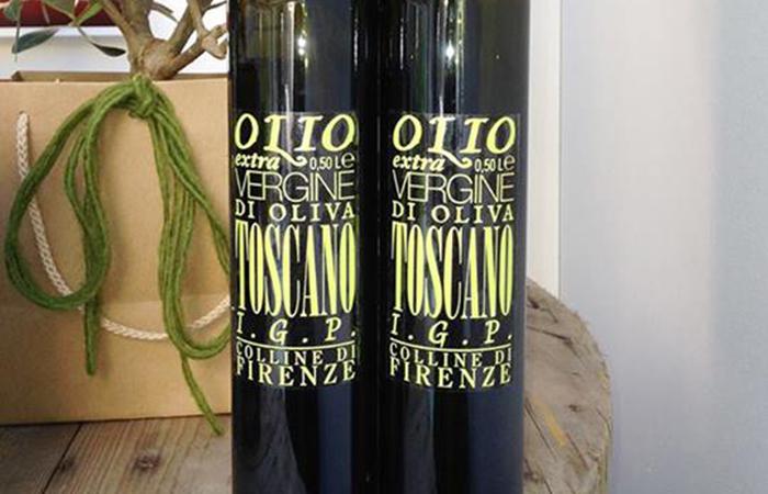 2 bottiglie di olio toscano igp