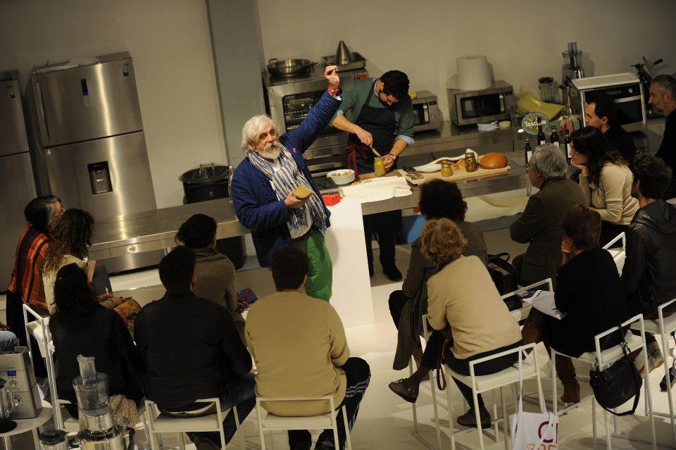 Chef Fabio Picchi con persone